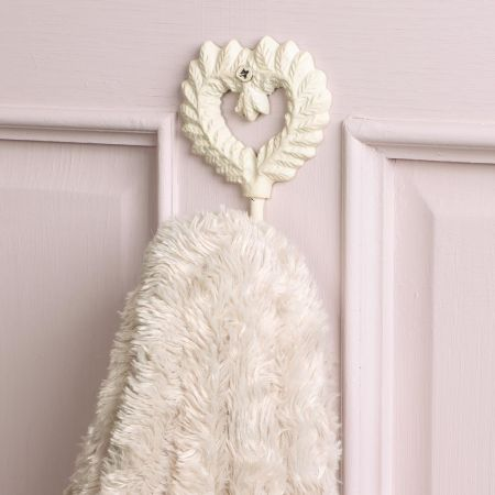 Country Cream Heart Shaped Hook