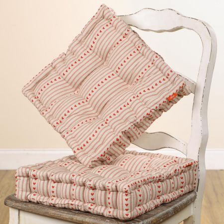 Set of 2 Red Bakewell Heart Box Cushion Seat Pads