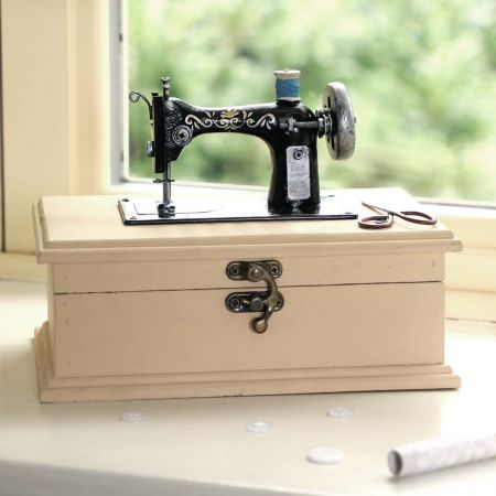Vintage Sewing Accessories