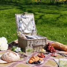 Tyburn Luxury Picnic Hamper for Two