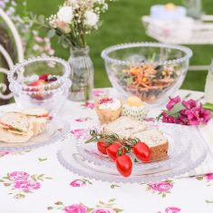 Helmsley Blush Alfresco Dining Linen with Bella Perle Crockery