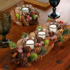 Crisp Winter Woodland Table Decor
