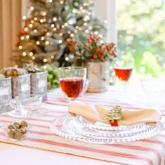 Merry and Bright Tablescape