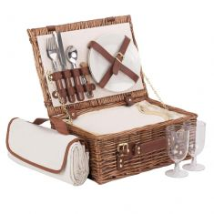 Traditional Wicker Picnic Hamper for Two